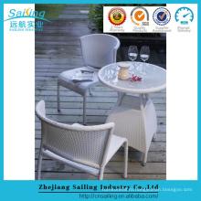 Бежевый ротанговый барный стул Коктейльный столик Алюминиевый бистро Стол и стул