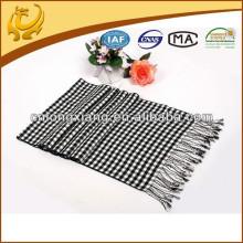 100% hilo de viscosa teñida bufanda tejida con borla