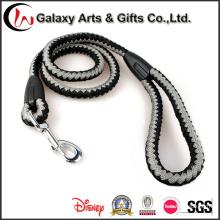 Cables de mascota de poliéster trenzado fuerte con gancho de metal resistente