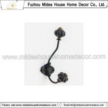 Hochwertiger Metallaufhänger mit Keramikknopf
