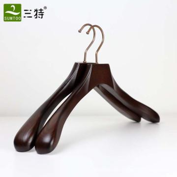 высокое качество роскошный ясень деревянный широкий плечевой костюм вешалка