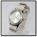 Fashion Fabric Watches Women′s Watches Alloy Case Women′s Watches