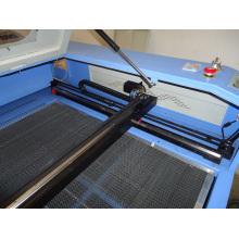 Máquina de corte de madeira do cortador do laser do CO2 100W
