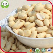 Gebleichtes Ganzes und halbes Erdnusskerne