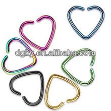 Titane colorée en forme de coeur Love Cartilage Earring Clip-On Rings