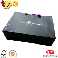 Saco de compras de papel personalizado preto com alça