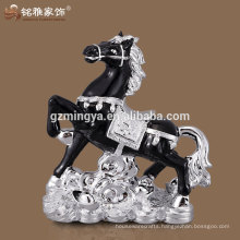 Hot sale new design horse shape mini resin figurine for office decor