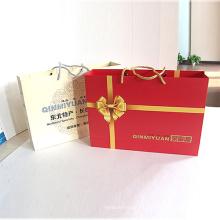 Individuell bedruckte Geschenkverpackung aus Verpackungspapier