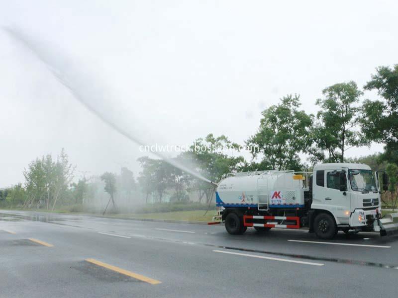 high pressure water jetting truck working 7