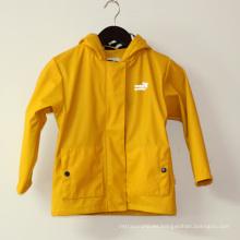 Chaqueta de lluvia PU impermeable con capucha amarilla / impermeable