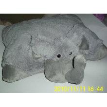 Слон плюшевая подушка