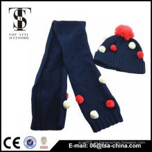 Sombrero y bufanda coloridos al por mayor de la Navidad de la gorrita tejida de la alta calidad colorida del pom