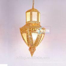 Lustre luxueux de cristal d'Eypte marocain allumant l'éclairage du Moyen-Orient