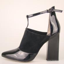 яркая модная новая экзотическая женская обувь