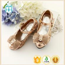 Festa de garotinhas sapatos de salto alto por atacado verão garota coreano mel modelo menina sapatos com prata e cor de ouro