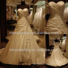 Q-6252 Appliques Taffeta Wedding Dress Layers skirt Chaple Train Bridal Gown