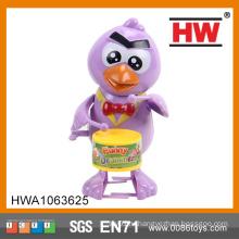 Смешные 16CM Пластиковые Wind Up Барабанщик Bird Дешевые игрушки из Китая
