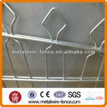 Double-loop Arched Mesh Fence