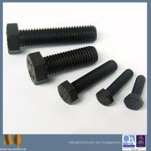 Tornillo de cabeza de zócalo de acero al carbono estándar DIN