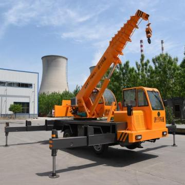 6 Ton telescopic boom mini mobile truck crane