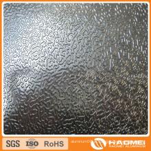 Variação em alumínio em relevo