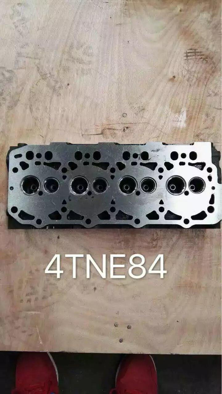 4TNE84 cylinder head-1