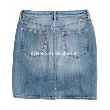 Braguette zippée avec mini-jean court en denim et jupe de qualité