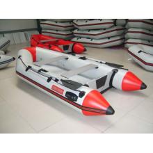 Надувная лодка 3M с 4-тактным подвесным двигателем мощностью 9,9 л.с.