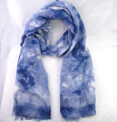 Ladies printing scarf