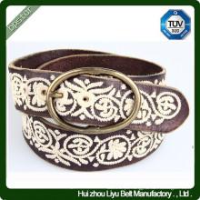 Cinto de lã bordado artesanal