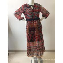 Langes Kleid aus bedrucktem Chiffon mit Futter
