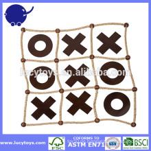 Holznähen und Kreuze im Freien Tic Tac Toe
