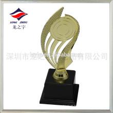 Troféu dourado de ouro