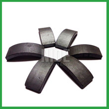 Electric motor arch type ferrite magnet block