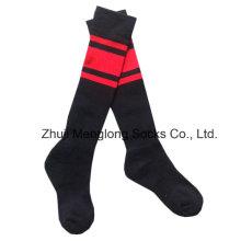 Niño fútbol deporte calcetines medio cojín en los pies