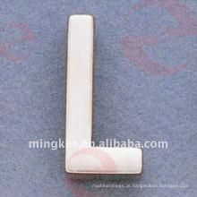 """Acessórios Decorativos para Bolsas Pequenas Letter- """"L"""" (O34-674A-L)"""