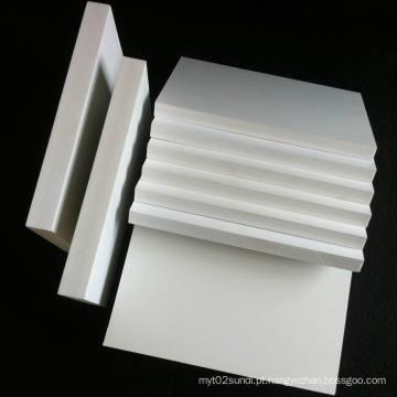 Folha rígida da espuma de Celuka do PVC para o armário de banheiro da mobília muitas vantagens amplamente utilizadas