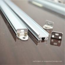 Perfil de canal de alumínio em faixa de luminárias LED