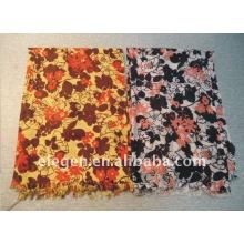 Blending print scarf