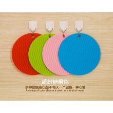 Мода красочные силиконовые подставки и салфетки для посуды