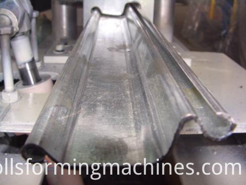 Security Shutters Door Making Machine--shearing system 2