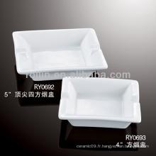 Sable et durable en porcelaine blanche cendrier sécurisé carré