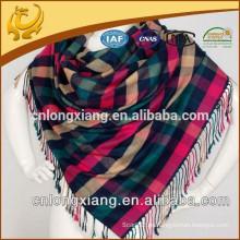 Fábrica de China Venta al por mayor Bajo MOQ viscosa y seda mezclada Plaid Pashmina bufanda chal