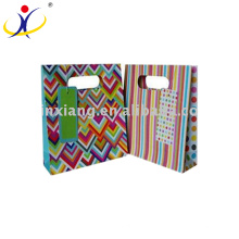 Emballage de boîte de papier de prix approprié de XX-BG046 de qualité garantie, boîte d'emballage de papier avec le ruban, boîte-cadeau de papier