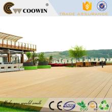 Madera de plástico impermeable al aire libre pasarela cubierta de piso