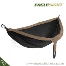 Hamac de parachute à double taille comprimé