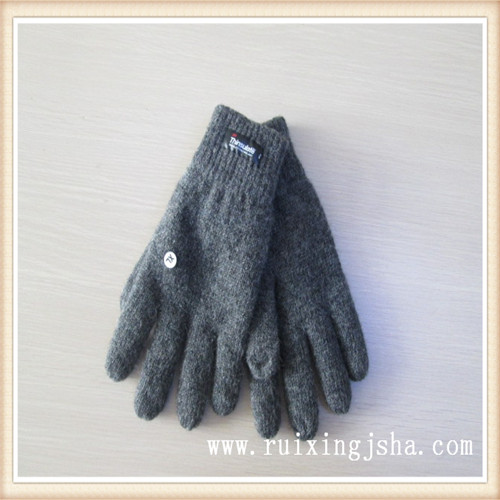 man plain color knitted wool gloves