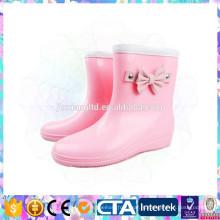 Стильные водонепроницаемые туфли из ПВХ