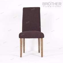 Cadeira moderna da sala de jantar do projeto da madeira com coxim da tela