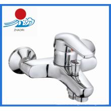Горячий и холодный водопроводный смеситель для ванной-душа (ZR21901)